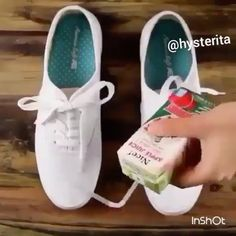 How to waterproof your shoes 👌🏼 Via @trendsandco ---------------------------------- •