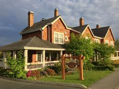 Saratoga Inn, Langley: See 365 traveler reviews, 108 candid photos, and great deals for Saratoga Inn, ranked #1 of 16 B&Bs / inns in Langley and rated 5 of 5 at TripAdvisor.