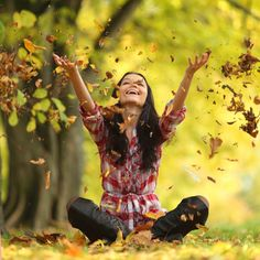 Hálát adok a mai napért. Hálás vagyok minden új nap tanításáért. Tudom, hogy ma többet tudok, mint tegnap. És holnap még többet. Ezért már nem írom előre a jövőmet. Nem szorítom korlátok közé a végtelen lehetőségeket. Szeretettel fordulok a belső bölcsesség felé, és hagyom, hogy magával vigyen. Ez a valódi szabadság! Így szeretlek, Élet!  ¯`•.¸¸.Ƹ̴Ӂ̴Ʒ Köszönöm ♡ Szeretlek Ƹ̴Ӂ̴Ʒ ..•.¸¸•´¯ Ho'oponoponoway www.HooponoponoWay.hu