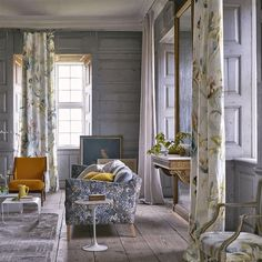 Designers Guild  TULIPA STELLATA BIRCH . . . Autumn / Winter 2017 Transcendent tulips bloom amidst a distressed, textural effect background. Digitally printed on a lightweight and softly tumbled linen for wonderfully evocative floral curtains, blinds and cushions. Available in three sublime colourways. . #DesignersGuild #AW17 #Floral #TulipaStellata #Collection #Upholstery #Curtains #Cushions #Sylloges