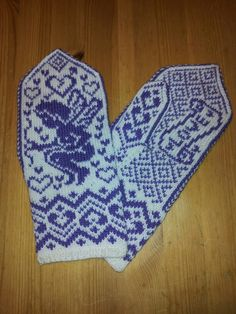 Amorin Mittens Pattern, Knit Mittens, Fair Isle Knitting, Hand Warmers, Knit Crochet, Diy And Crafts, Gloves, Socks, Crafty