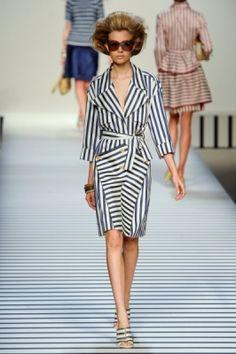 Stile navy: i look mariniere e a righe della primavera estate 2012
