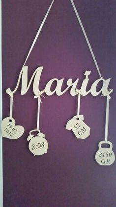 Individual christening gift to hang with the dates of birth. - Individual christening gift to hang with the dates of birth. Just write the name, date of birth, ti - Baby Crafts, Diy And Crafts, Modern Baby Names, Diy Bebe, Baby Co, Ideias Diy, Christening Gifts, Happy Baby, Baby Party