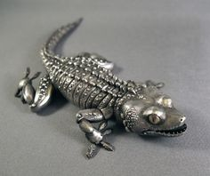 Sterling Silver Articulated Gecko With Inlaid Gold and Shakudo eyes