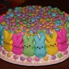 Easter cake. Pinned for my sister :)