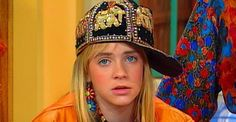 """If you watched """"Clarissa Explains It All,"""" in the you know that her clothes really did explain it all. Here are all the fashion lessons I learned from Clarissa herself. Melissa Joan Hart, Soft Grunge, Clarissa Explains It All, Tv Sendungen, 90s Girl, Queen Latifah, Punk, All Fashion, Weird Fashion"""