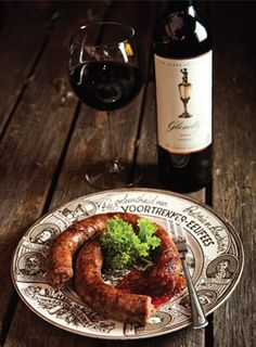 Delicious boerewors best paired with some wine! South African Braai, South African Recipes, Ethnic Recipes, Kos, Wine Ratings, Wine Recipes, Cooking Recipes, Biltong, Cooking On The Grill