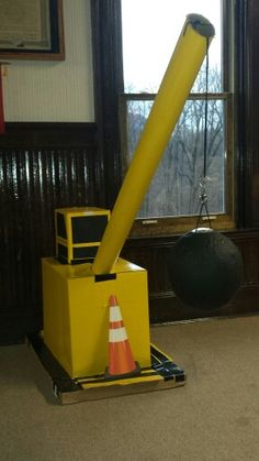 Extend a yellow crane arm out from the tent with the wrecking ball pinata Construction Party Decorations, Construction Birthday Parties, Vbs Crafts, Classroom Crafts, Church Activities, Fun Activities, Group Vbs, Toy Crane, Kids Indoor Playhouse
