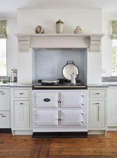 Best Pearl Ashes Colour Aga In Lay On Handpainted Kitchen With 400 x 300