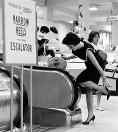 creepingirrelevance: Love on an escalator…