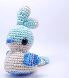 Tulla the Bird - - Tulla is a silly little bird, approximately 5 in. tall, with big feathers atop her head. Pattern is done in three different colors which allows for many different color combinations. Easter Crochet Patterns, Crochet Birds, Bird Patterns, Crochet Patterns Amigurumi, Cute Crochet, Crochet Hooks, Crochet Animals, Drops Design, Snoopy The Dog