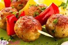 Chicken and Pineapple Meatballs BIG BATCH GF freezable smoothies healthy; Batch Cooking, Freezer Cooking, Healthy Dishes, Healthy Recipes, Healthy Foods, Fat Flush Diet, Frozen Fruit Smoothie, Vegetable Skewers, Pineapple Chicken