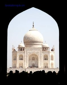 Today I have got a dose of one of my past travels , this time it is Taj Mahal , Agra whose aura spell-bound me , the moment I took a first look at it. http://www.spiceupboringlife.com/