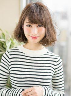スタイリングが楽チンな柔らかパーマヘア☆少し重めのボブスタイルは乾かすだけでシルエットが決まります!!是非お試し下さい\(^o^)/ Short Curly Hair, Curly Hair Styles, Bob Styles, Natural Curls, Perm, Bob Hairstyles, Asian Beauty, Model, Japan