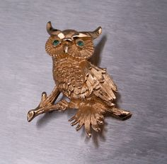 Vintage MONET Brooch Pin Owl Goldtone Green Rhinestones