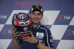 Jorge Lorenzo presents the new Quadrifoglio Verde Helmet