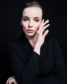 Who is Jodie Comer, Played Nude Scene in Killing Eve? What's Her Net Worth, Age and Who's Her Boyfriend? Braided Hairstyles For Black Women, Braids For Black Women, Cool Hairstyles, Natural Beauty Remedies, Teen Celebrities, Celebs, Sandra Oh, Jodie Comer, Best Dramas