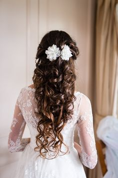 Our blooming bride wearing flower hair clips with vintage lace. It's also a perfect curly hair inspiration for romantic bridal hair style. More https://florentes.lt/products/wedding-hair-piece-in-vintage-style