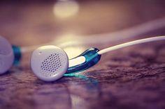Earphones/headphones   출처: love_withoutboundaries