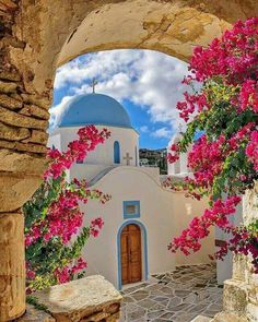 A magnificent chapel in Paros island, Cyclades, Greece Dream Vacations, Vacation Spots, Places Around The World, Around The Worlds, Wonderful Places, Beautiful Places, Places To Travel, Places To Visit, Paros Greece