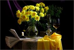 Tagged - My Comments Table Decorations, Pictures, Home Decor, Yellow, Lights, Shapes, Dios, Pretty Flowers, Black Backgrounds