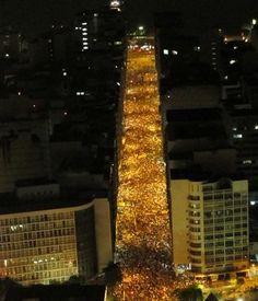 Parabéns Niterói!!! Assim que se faz!! Manifestantes fecham acesso à Ponte Rio-Niterói. 19/06/2013.