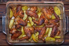 Filléres, egytepsis csirkeszárnyak sült krumplival: spórolós napokra tökéletes választás - Receptek   Sóbors Chicken Wings, Meat, Food, Essen, Meals, Yemek, Eten, Buffalo Wings