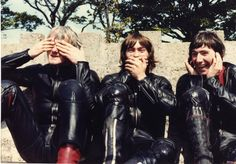 """espritri: """" """"See no evil, speak no evil,hear no evil."""" Alex George, Ron Haslam and Joey Dunlop Isle of Man TT 1981 """"The black protest"""" """" Besties, Riders On The Storm, Motorcycle Racers, Isle Of Man, Road Racing, The Good Old Days, Motogp, Cool Bikes, Grand Prix"""
