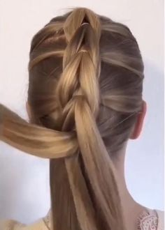 Frisuren A super easy braided hairstyle tutorial 😍😍 Starting A Furniture Antique Auction Article Bod Easy Hairstyles For Long Hair, Braided Hairstyles Tutorials, Braids For Long Hair, Diy Hairstyles, Dancer Hairstyles, Waitress Hairstyles, Elven Hairstyles, Church Hairstyles, Interview Hairstyles
