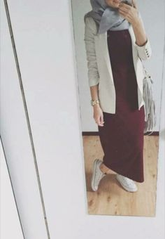 Fashion Dresses Hijab Outfit 49 Ideas For 2019 Look Fashion, Trendy Fashion, Modest Fashion, Fashion Dresses, Hijab Fashion Inspiration, Mode Inspiration, Islamic Fashion, Muslim Fashion, Modele Hijab