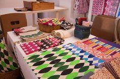 Estande da Luiza Ruberti na Crafts & Bistrô: tecidos estampados com técnicas como carimbo, tudo feito à mão