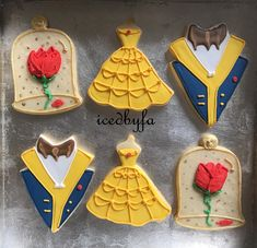 Beauty and the beast sugar cookies perfect for birthdays and ather celebr. Cookies Rosa, Rose Cookies, Iced Cookies, Royal Icing Cookies, Cookies Et Biscuits, Sugar Cookies, Beauty And Beast Birthday, Beauty And The Beast Theme, Beauty And Beast Wedding