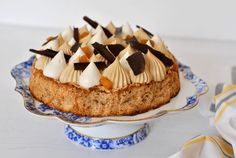 עוגת+אגוזי+מלך+עם+תפוחים+מקורמלים Cakes, My Favorite Things, Desserts, Food, Tailgate Desserts, Meal, Cake, Dessert, Eten
