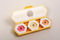 Шестигранная коробка-книжка, креативная упаковка для мыла - http://www.packagingoftheworld.com/2014/01/fleur-de-vie-student-project.html