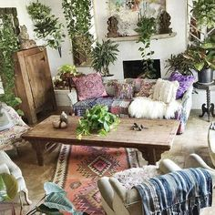 90 Modern Bohemian Living Room Inspiration Ideas - Page 70 of 187 My Living Room, Living Room Decor, Living Spaces, Small Living, Living Area, Hippie Living Room, Hippie Bedrooms, Hippie House, Decor Room