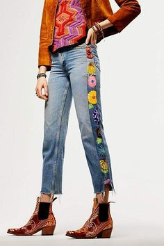 Rialto Jean Project Embroidered Tuxedo Jeans, Source by hei Diy Jeans, Jeans Refashion, Refaçonner Jean, Jean Diy, Embellished Jeans, Embroidered Jeans, Denim Scraps, Diy Kleidung, Mode Jeans