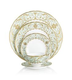 Find This Pin And More On Tablesettings China Dish Patterns Royal