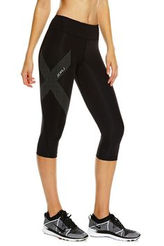 Mid-Rise 3/4 Compression Tight – Black / Dotted Reflective Logo