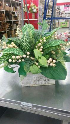 Greenery in a decorative box - 3912
