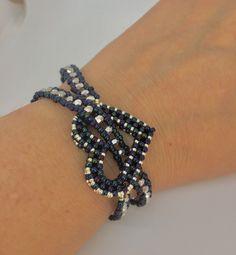 """Bracelet 🎀 (without instructions) · ☆ · 𝔤𝔢𝔣𝔲𝔫𝔡𝔢𝔫 𝔞 """". - Bracelet 🎀 (without instructions) · ☆ · 𝔤𝔢𝔣𝔲𝔫𝔡𝔢𝔫 𝔞𝔲ð … – - Bead Jewellery, Seed Bead Jewelry, Jewlery, Beaded Bracelet Patterns, Beaded Necklace, Embroidery Bracelets, Bracelet Designs, Handmade Bracelets, Handmade Jewelry"""