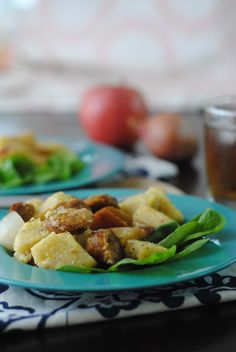 A SUPER simple one dish meal that the family loves. This kid friendly dinner is ready in just 30 minutes and is so delicious! Chicken and Apple Polenta Bake.