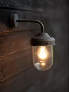 I've just found Barn Lamp Wall Light In Coffee Bean. This simply designed exterior wall light looks good in country and urban environments alike. Outdoor Barn Lighting, Outdoor Light Fixtures, Porch Lighting, Outdoor Walls, Modern Lighting, Lighting Design, Wall Lighting, Industrial Lighting, Backyard Lighting