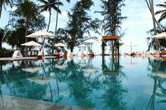 Nikki Beach, the world's leading luxury entertainment and lifestyle group, today announced the opening of their Koh Samui Bungalow Resort just in time to ring in the new year, placing Thailand at the top of the 2010 global jet-set radar.    Located off >>> http://search.topthailandhotels.com/City/Koh_Samui.htm