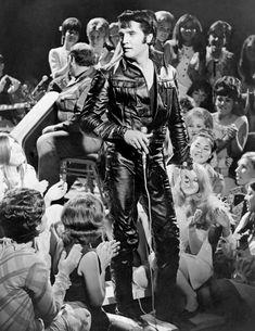 BURBANK, CA - JUNE Rock and roll musician Elvis Presley performing on the Elvis comeback TV special on June 1968 in Burbank, California. Lisa Marie Presley, Priscilla Presley, Celebrity Photos, Celebrity News, Celebrity Couples, Rock And Roll, Elvis 68 Comeback Special, Elvis Presley Photos, Thats The Way