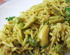 Masale bhaat Veg Recipes, Indian Food Recipes, Cooking Recipes, Healthy Recipes, Ethnic Recipes, Healthy Food, Spicy Dishes, Veg Dishes, Kitchens