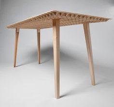 lightweight wooden table / ruben beckers