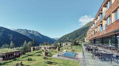 OOSTENRIJK - Oost-Tirol - Zomer en winterproof 4* resort met zwembad, restaurant, welness, spa, --> je kan hier een kamer maar ook chalet huren.  https://www.mrsnomad.nl/accommodaties/215-resort-tirol-oostenrijk/