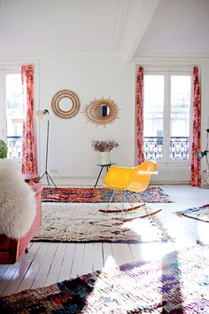 Boucherouite plus Beni Ourain rugs Interior Inspiration, Room Inspiration, Design Inspiration, Secret Berbere, Deco Boheme Chic, San Francisco Girls, Interior And Exterior, Interior Design, Luxury Interior