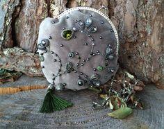 Купить Турмалин - тёмно-зелёный, сумочка, подарок, трава, хрусталь, кабошон, бархат, серый, фермуар