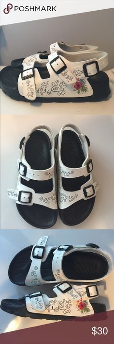 CHILDRENS BIRKI's Theses Birki's in the Milano style are in good condition with mimimal wear on the back heel. They are a size 34 which equates to a size 3-3.5. Birkenstock Shoes Sandals & Flip Flops
